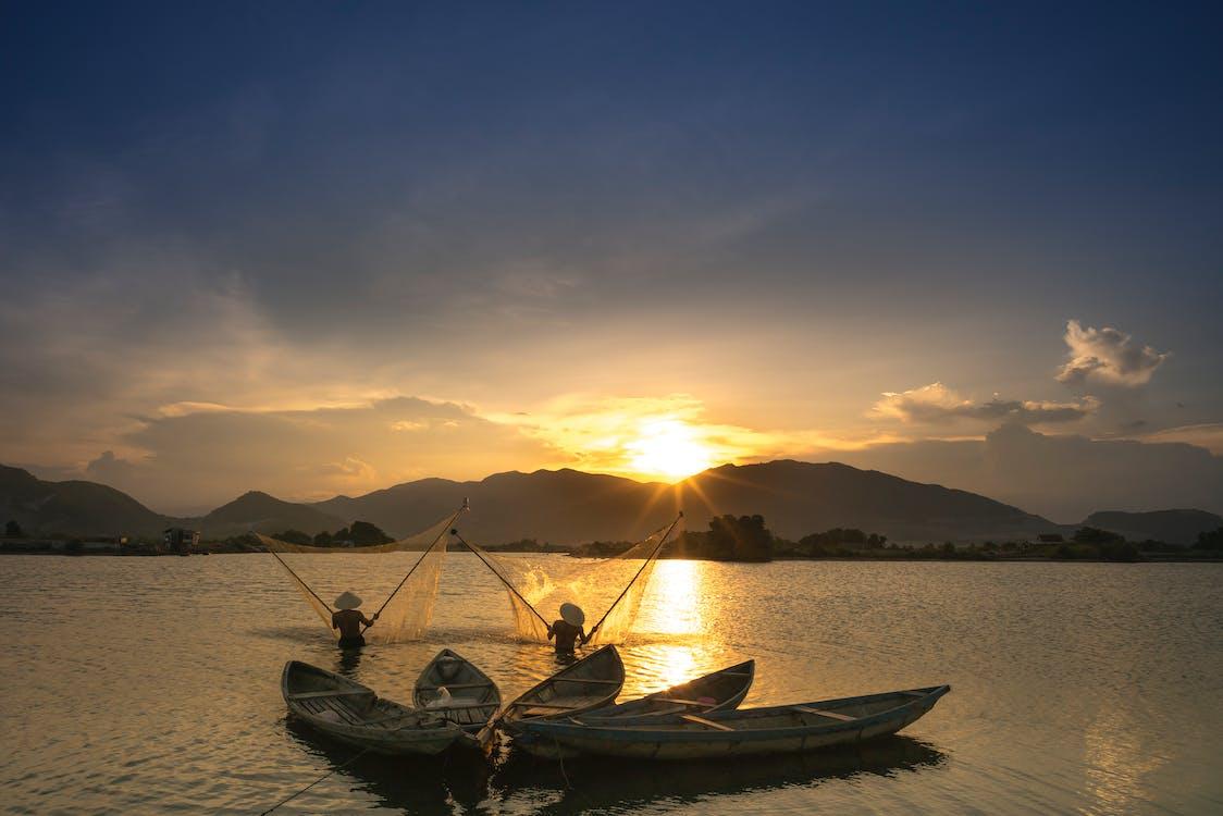 člny, jazero, kanoe