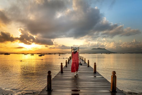 Fotos de stock gratuitas de amanecer, anochecer, caminando, caminar