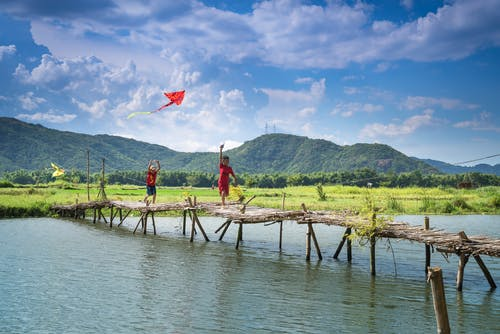 Kostenloses Stock Foto zu asiatische kinder, außerorts, bäume, berge