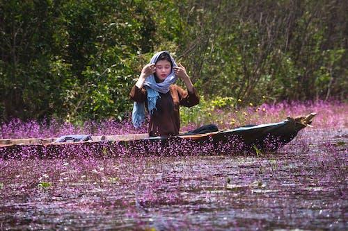 강, 꽃, 나무, 라이프스타일의 무료 스톡 사진