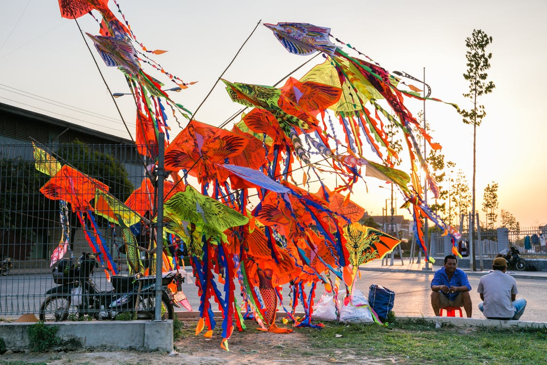 Assorted-color Kites