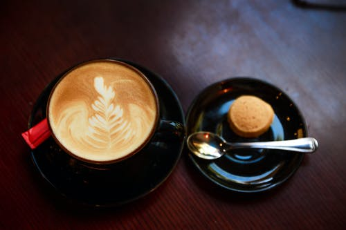 Gratis lagerfoto af cappuccino, cookie, delikat, espresso