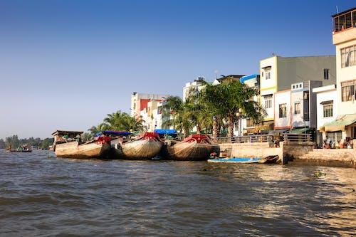 Δωρεάν στοκ φωτογραφιών με αρχιτεκτονική, αστικός, βάρκες, γραφικός