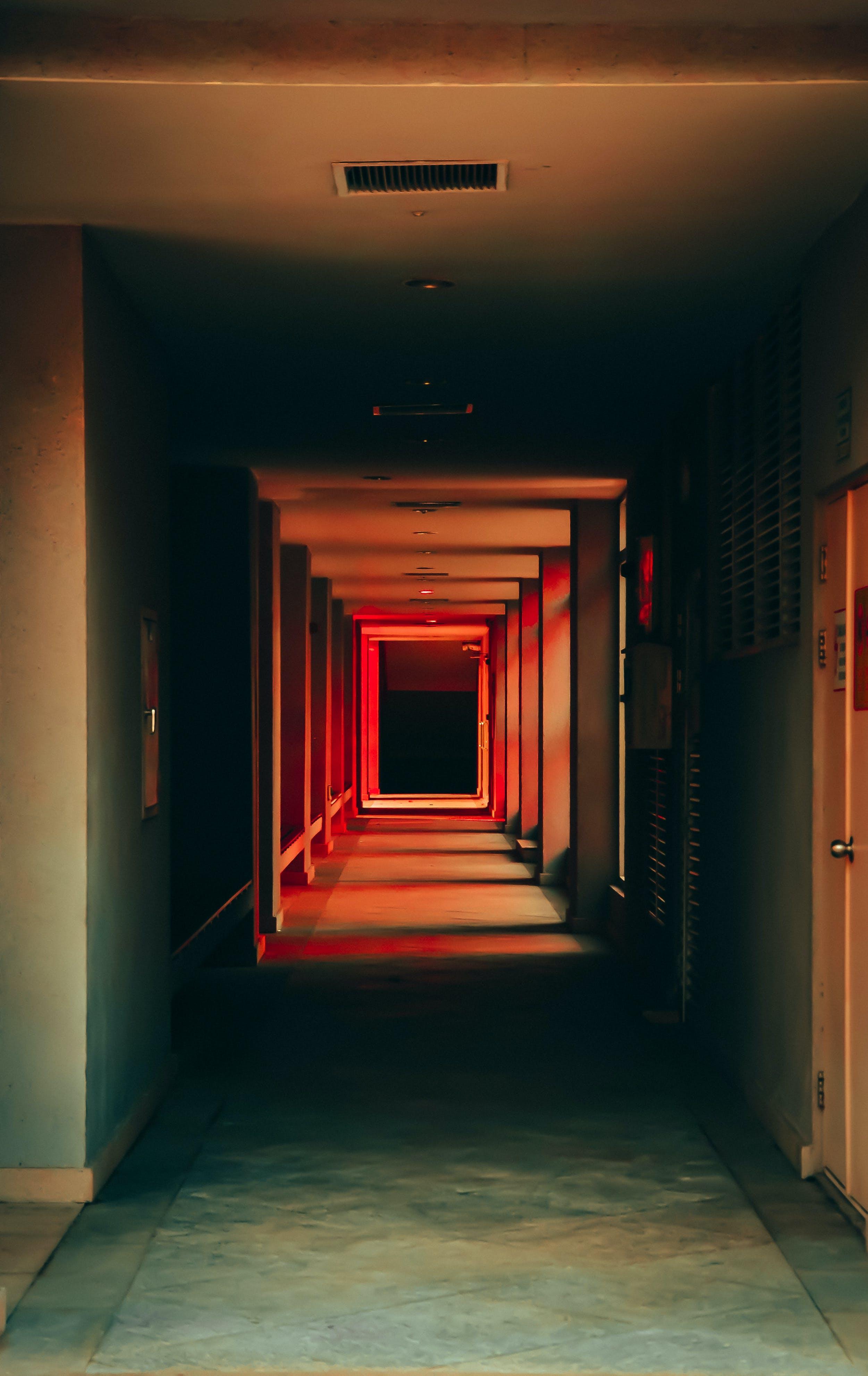 Photos gratuites de à l'intérieur, bâtiment, couloir, entrée de porte