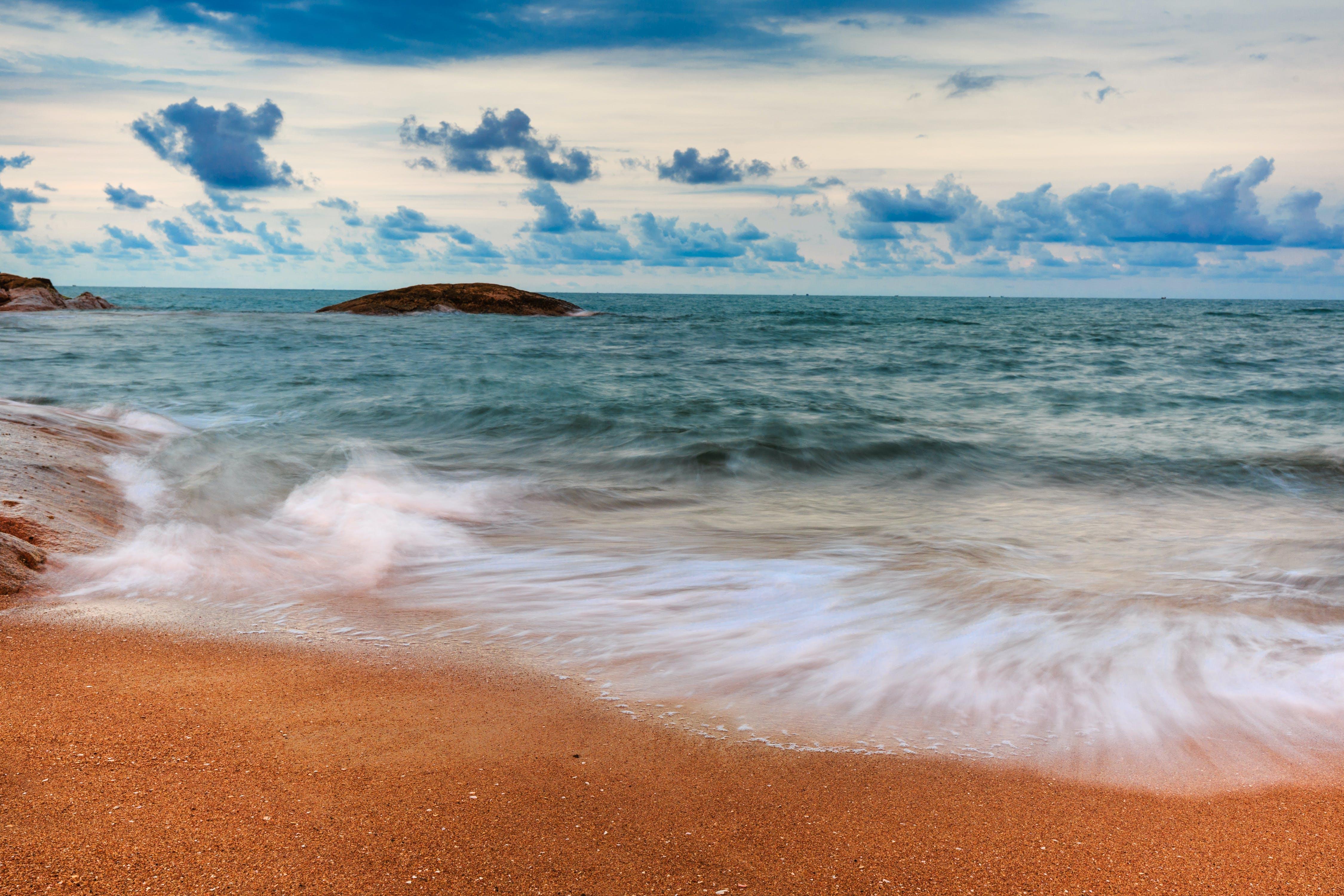 Shoreline and Ocean Waves