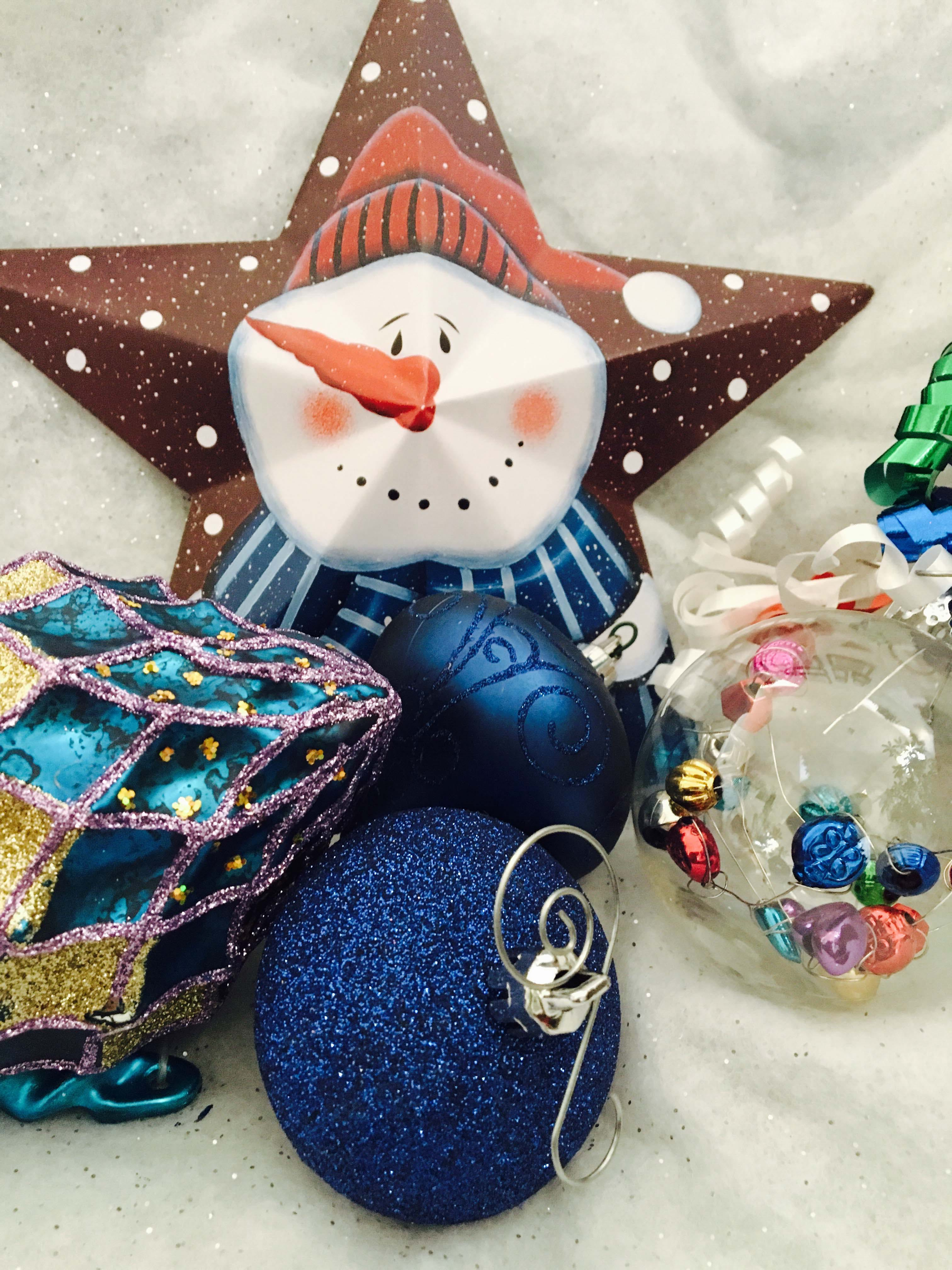 2blue Glitter Baubles Brown Star Snowman Print Christmas Decor