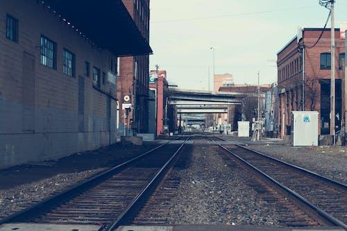 Základová fotografie zdarma na téma architektura, dopravní systém, kameny, lehký