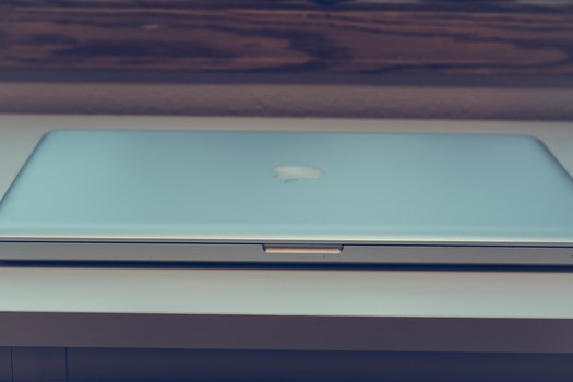 Free stock photo of apple, laptop, macbook, table