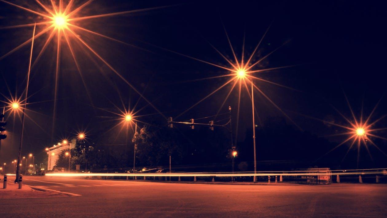 Gratis stockfoto met eenzame weg, lange blootstelling, nacht