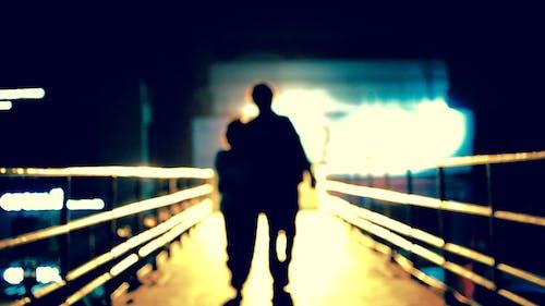 Безкоштовне стокове фото на тему «довга прогулянка, любов, самотній»