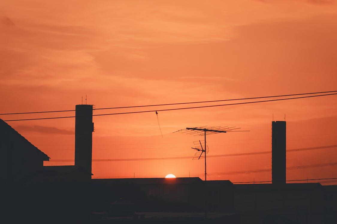 mesto, slnko, západ slnka