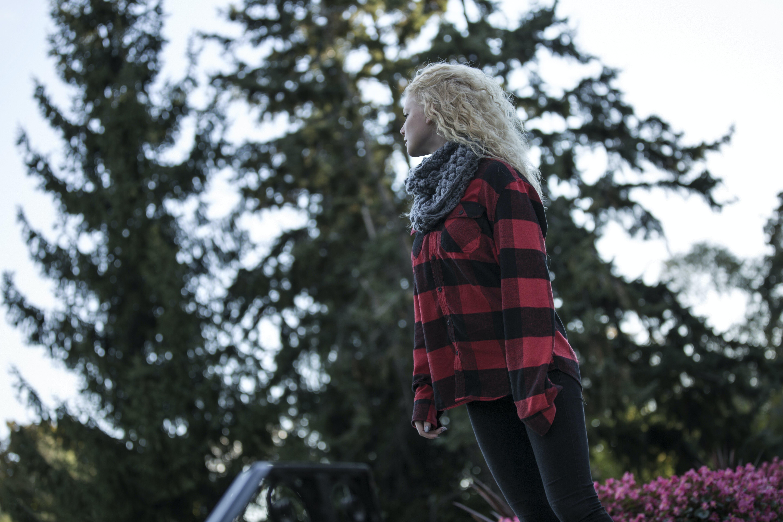 Kostenloses Stock Foto zu bäume, blond, frau, mädchen