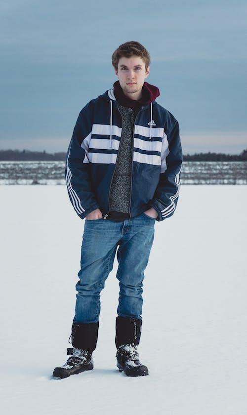 Бесплатное стоковое фото с Adidas, jens, голубой, зима