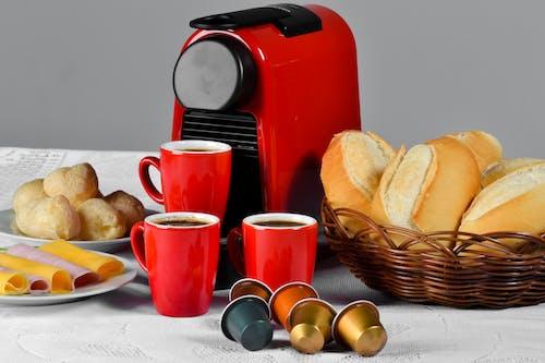 Gratis lagerfoto af brød, kaffe, morgenmad
