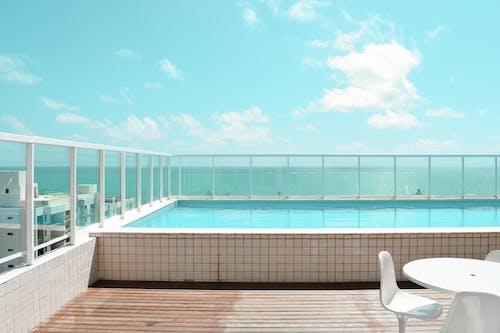 bilardo, tatil köyü, Yüzme havuzu içeren Ücretsiz stok fotoğraf