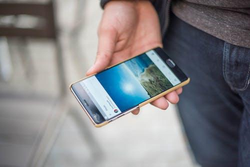 Základová fotografie zdarma na téma chytrý telefon, dotyk, dotyková obrazovka, komunikace