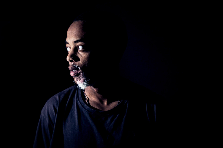 Δωρεάν στοκ φωτογραφιών με μαύροι άνθρωποι, σύντομη ανανέωση, φως και σκιές, φωτισμό στούντιο