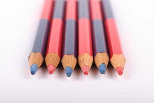 Δωρεάν στοκ φωτογραφιών με διπλής όψης, μπλε και κόκκινο, χρωματιστά μολύβια