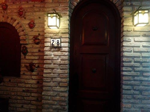 คลังภาพถ่ายฟรี ของ กลางคืน, กำแพงอิฐ, ตามแบบฉบับ, บ้าน