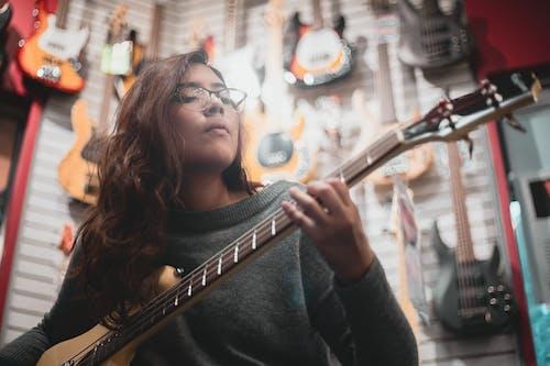 Gratis lagerfoto af aborre, baglygte, band, elektriske guitarer