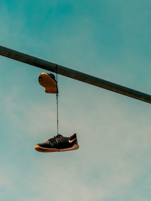 Ingyenes stockfotó cipő, dorkó, ég, fém témában