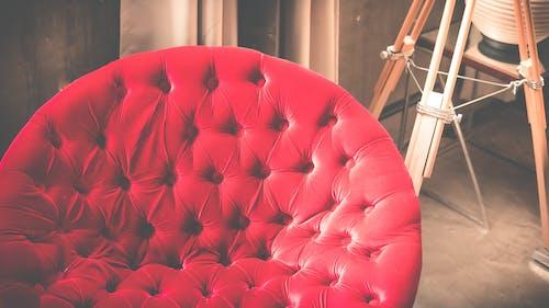 Kostenloses Stock Foto zu roten stuhl, stuhl, vintage stuhl