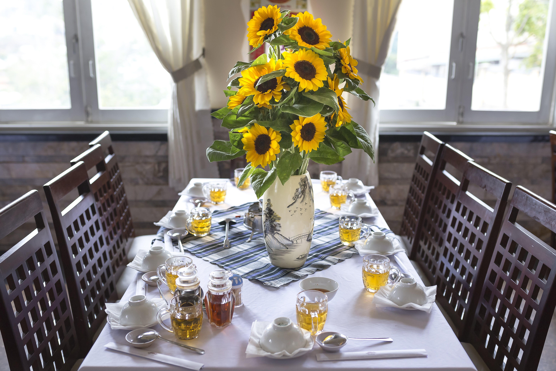 Ingyenes stockfotó asztal, asztalterítő, belső, beltéri témában