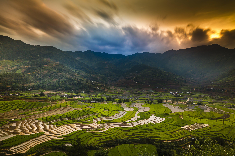 Základová fotografie zdarma na téma farma, hora, hřiště, krajina