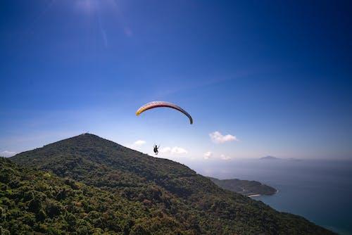 Foto d'estoc gratuïta de aventura, illa, mar, muntanya