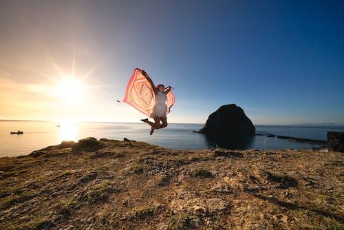 Darmowe zdjęcie z galerii z morze, na dworze, ocean, osoba