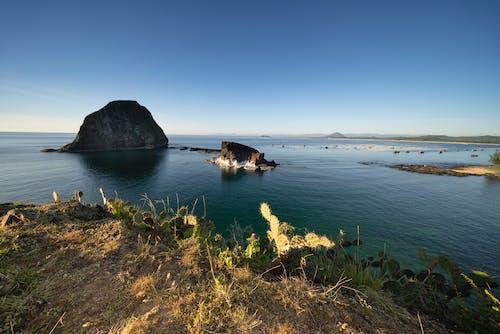 Foto profissional grátis de abismo, ao ar livre, beira-mar, ilha