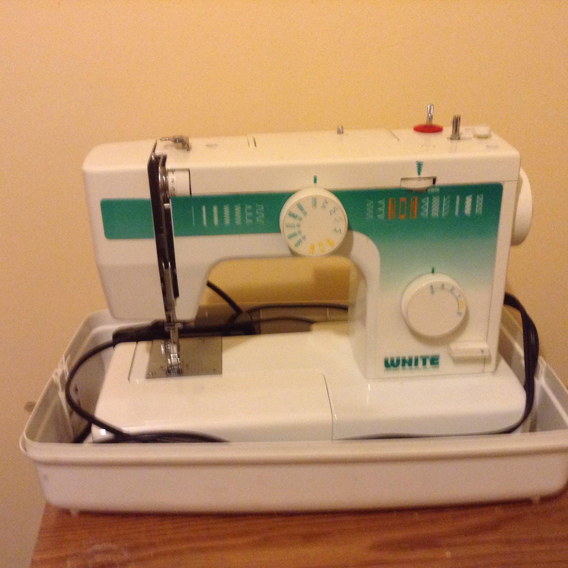 Free stock photo of sewing machine
