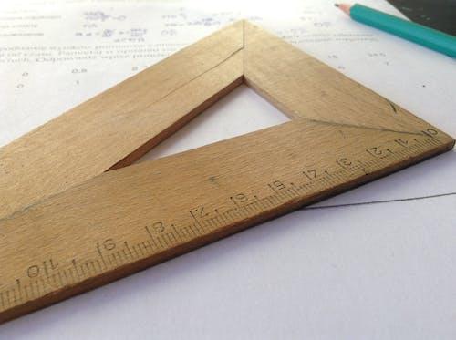Darmowe zdjęcie z galerii z cal, drewniany, geometria, liczby