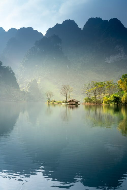 bagbelyst, bjerg, flod