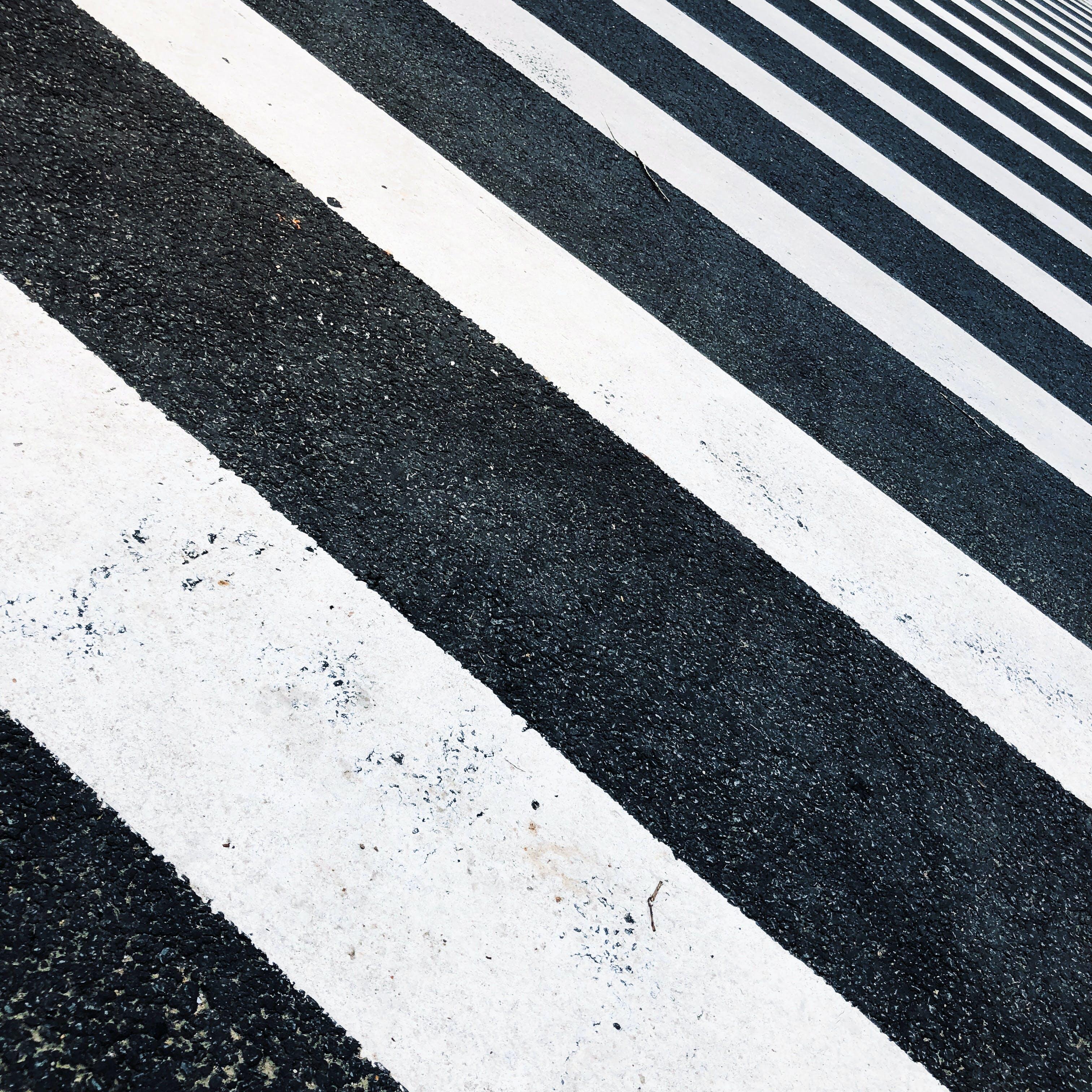 Gratis lagerfoto af abstrakt, asfalt, fodgængerfelt, kryds