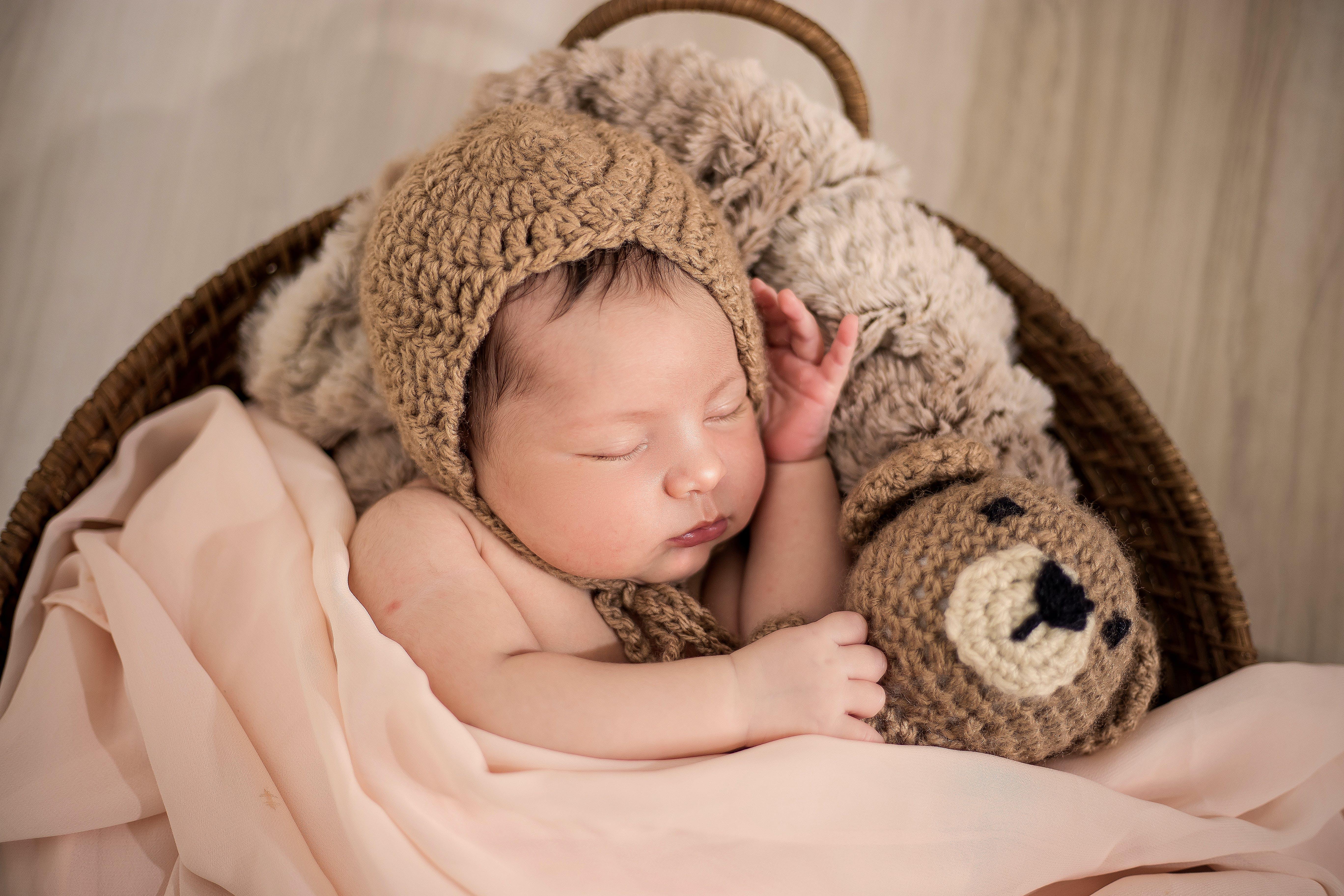 Kostenloses Stock Foto zu baby, bezaubernd, decke, kind