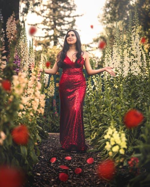 꽃, 드레스, 모델, 빨간의 무료 스톡 사진