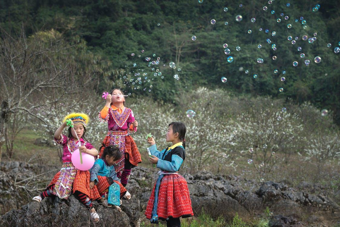 bubliny, denní světlo, děti