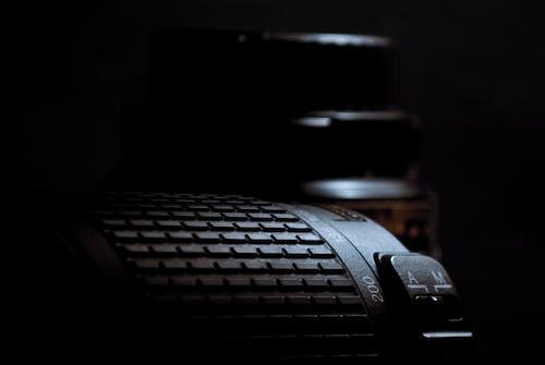Foto Close Up Lensa Kamera Hitam