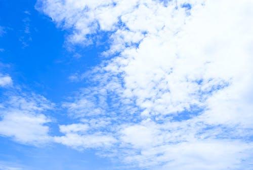 Kostnadsfri bild av blå, blå himmel, vita moln