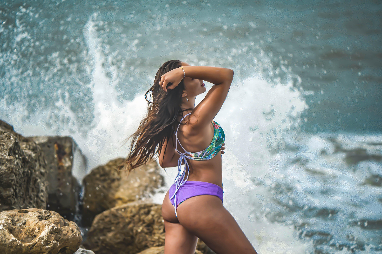 açık hava, bikini, boş zaman, deniz içeren Ücretsiz stok fotoğraf