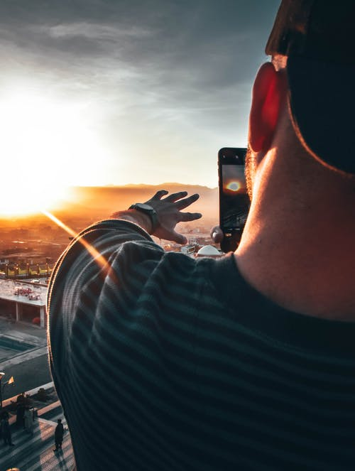 Gratis lagerfoto af mand, morgengry, person, solnedgang