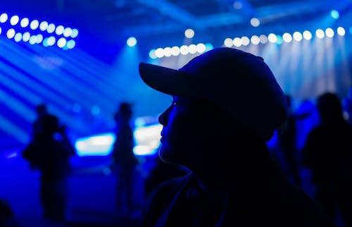 Základová fotografie zdarma na téma dav, festival, klobouk, lidé
