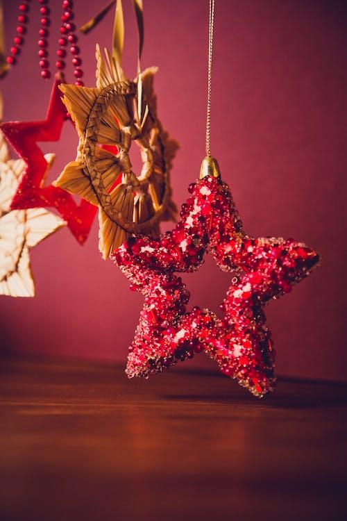 お祝い, ぶら下がり, オーナメント, クリスマスの無料の写真素材