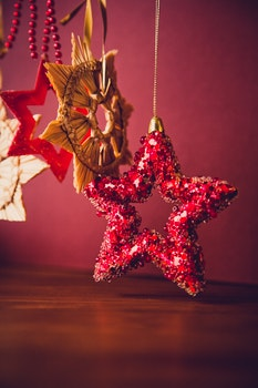 Red Star Decor