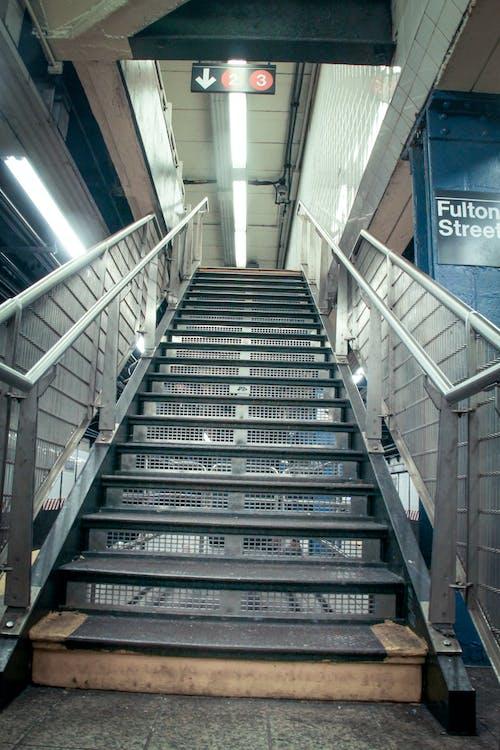 Photos gratuites de argent, argenté, escalier, escaliers