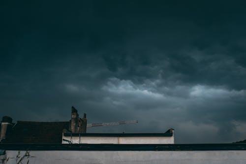 Foto stok gratis abu, angin ribut, asap, awan