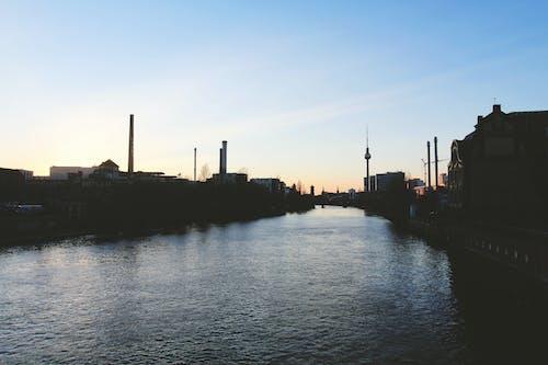 Ingyenes stockfotó berlin, Berlini tévétorony, ég, folyó témában