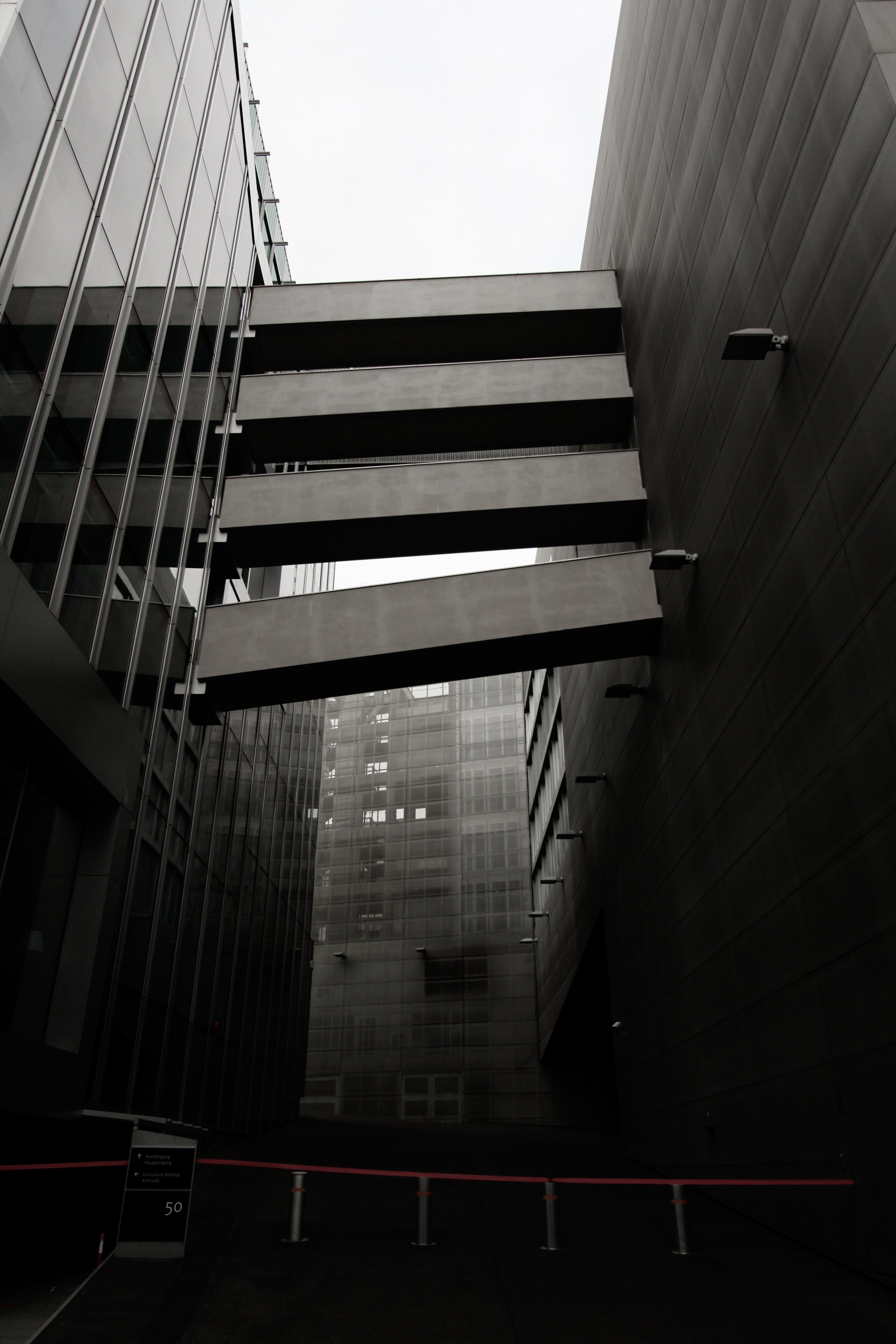 Foto d'estoc gratuïta de acer, alt, arquitectura, arquitectura moderna