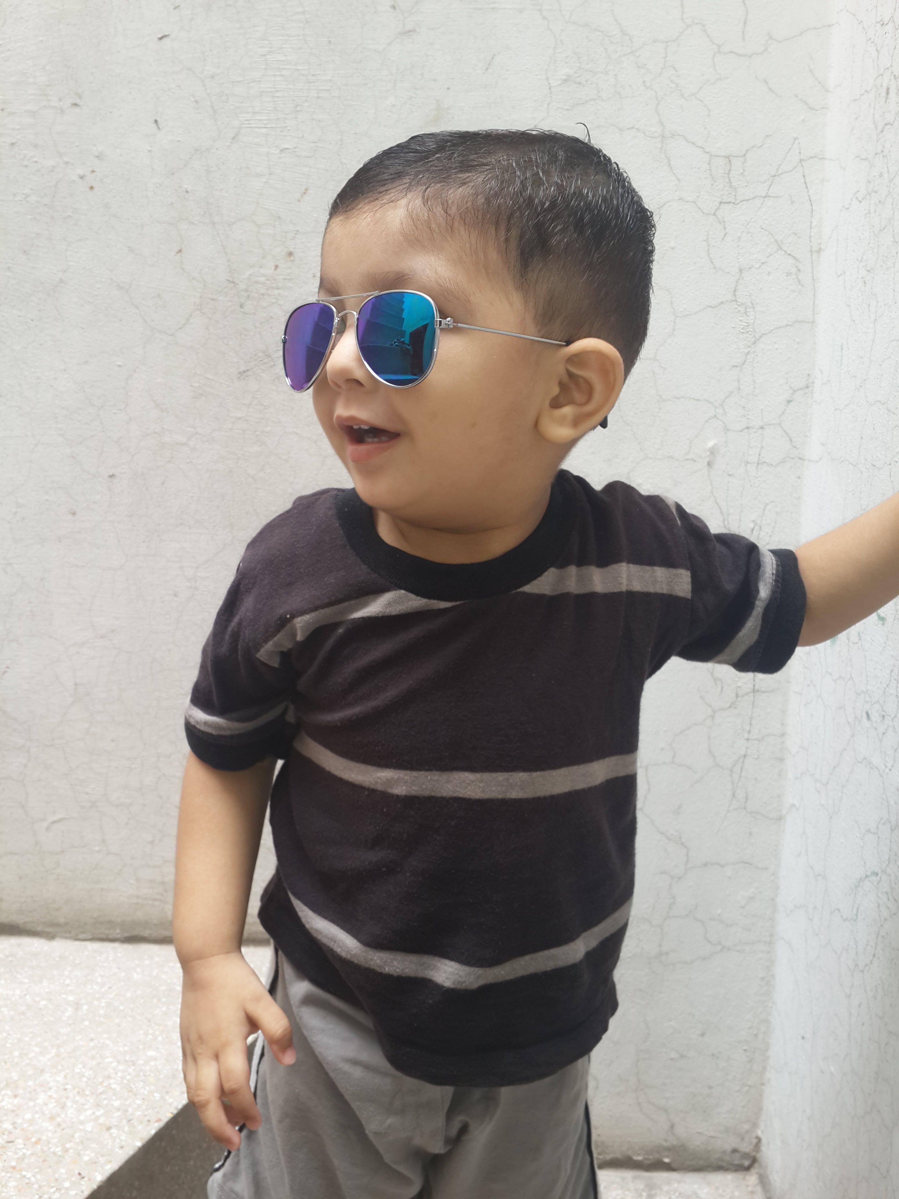 Free stock photo of Mahad, Samsong glaxy s4, sun glasses